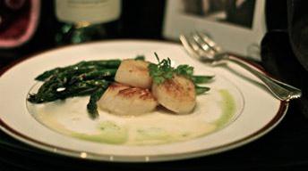 Seared Scallops & Asparagus