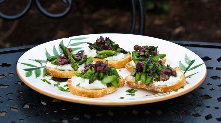 Grilled Crostini with Washington Asparagus