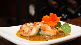 Seared Scallops in Banana Curry