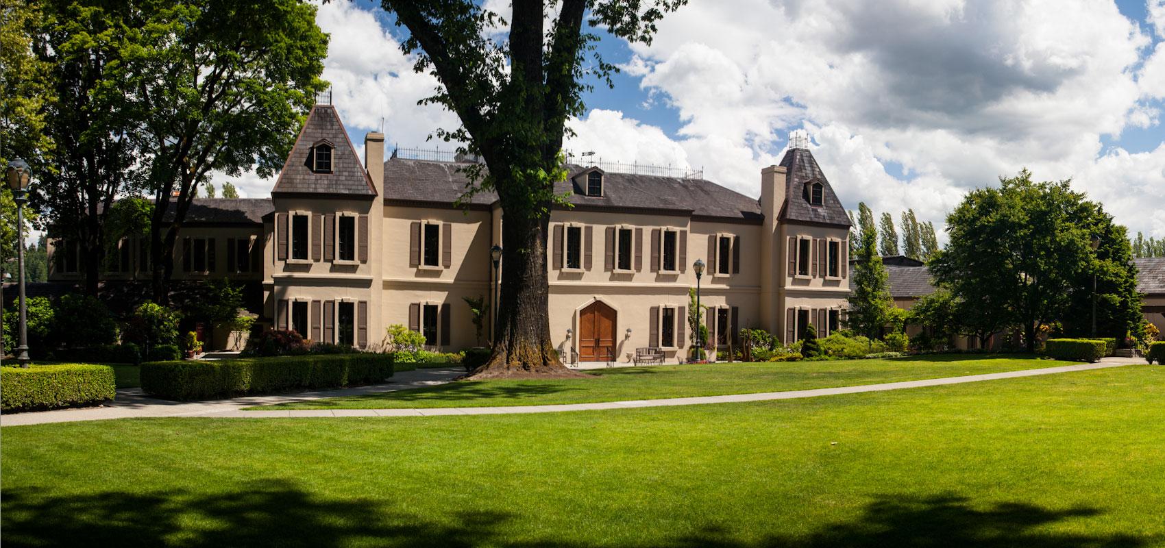 FBK discovered luxury estates and vineyards of Medvedev 02.03.2017